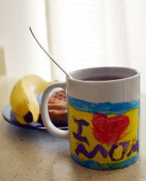 Mother&#8217;s Day DIY Gift: Hand-Painted Mugs Thumbnail