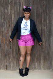 Outfit: Body Love + Shorts Thumbnail