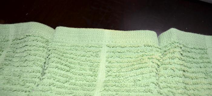 Easy, DIY Thanksgiving Hostess Gift: Towel Apron