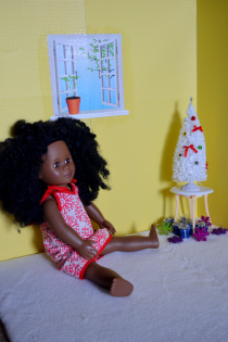 Make a DIY Collapsible Room for an 18″ Doll Thumbnail