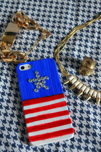 DIY Patriotic iPhone Flag Case for Memorial Day Thumbnail