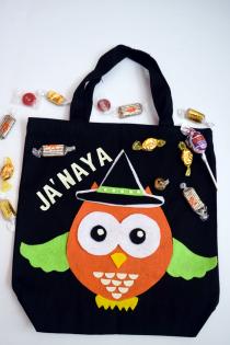DIY Felt Owl Halloween Treat Bag Thumbnail