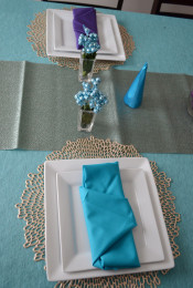 Dress Your Holiday Table with a Little Creativity Thumbnail
