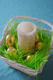Dress Your Table: DIY Easter Basket Centerpiece Thumbnail