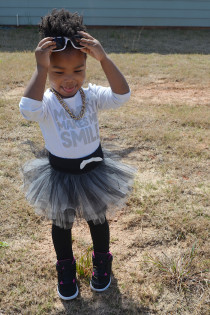 Kid Style: Black, White and Tutu Thumbnail