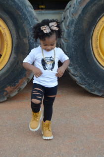 Kid Style: DIY Slashed Leggings + Lauryn Hill Thumbnail