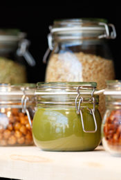 How to Go Green With Your Food Storage Thumbnail