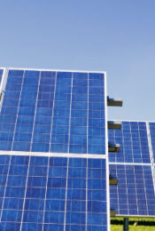 Considering Solar Energy for Your Home: Pros and Cons Thumbnail