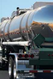 How The Trucking Industry Is Moving Towards Zero-Emissions Thumbnail